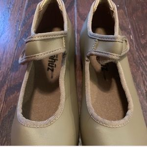 Size 11 tap shoes